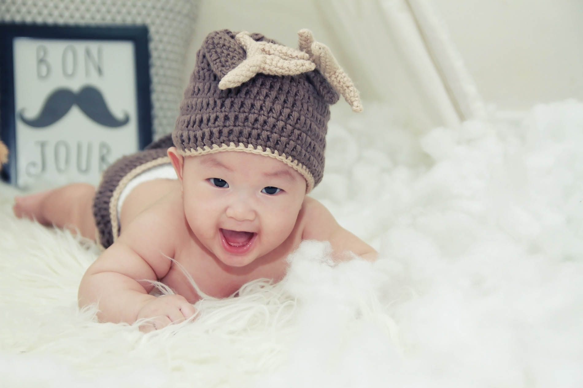 All n knots - Adorable custom crocheted pieces for Babies and Toddlers